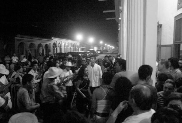 Noche de Fandango durante las fiestas de la Candelaria en Luz de Noche. Foto, cortesía: Luz de Noche.