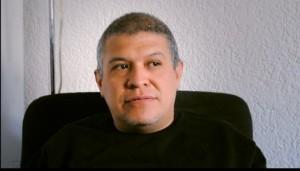 El ingenioso monero veracruzano Rapé, sigue exiliado en México