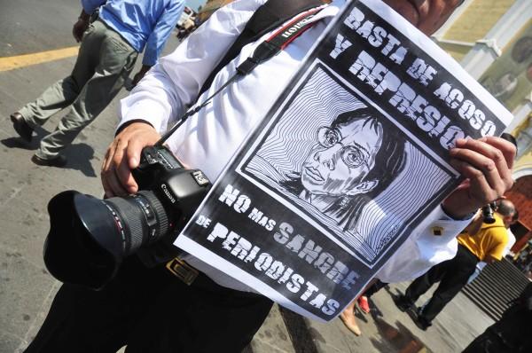 periodistas regis+
