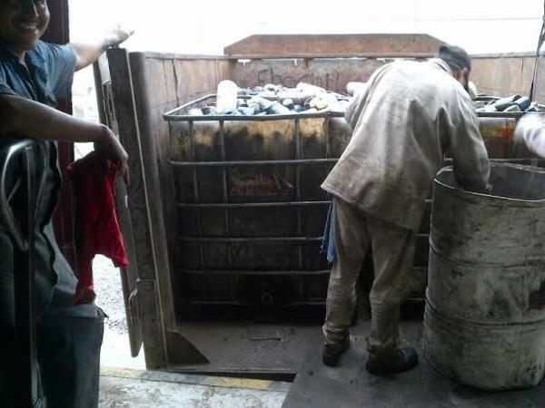 Este es el trato que le dan a los residuos tóxicos/ Foto Plumas Libres