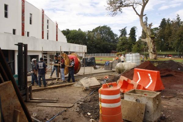 Constructoras han amenazado con no continuar las obras de obras para JCC si no les pagan adeudos/ Fotover