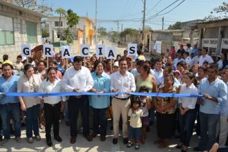 Las colonias Plan de Ayala y Patricio Chirinos reciben el beneficio de esta obra que inauguró el alcalde Miguel Ángel Yunes Márquez