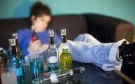 El exceso de alcohol predispone el cuerpo al hígado graso, cirrósis hepática y cáncer de hígado.
