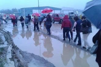 En este lugar lleno de lodo y agua Adolfo Mota organizó un adelantado mitin de campaña/ Foto Francisco de Luna