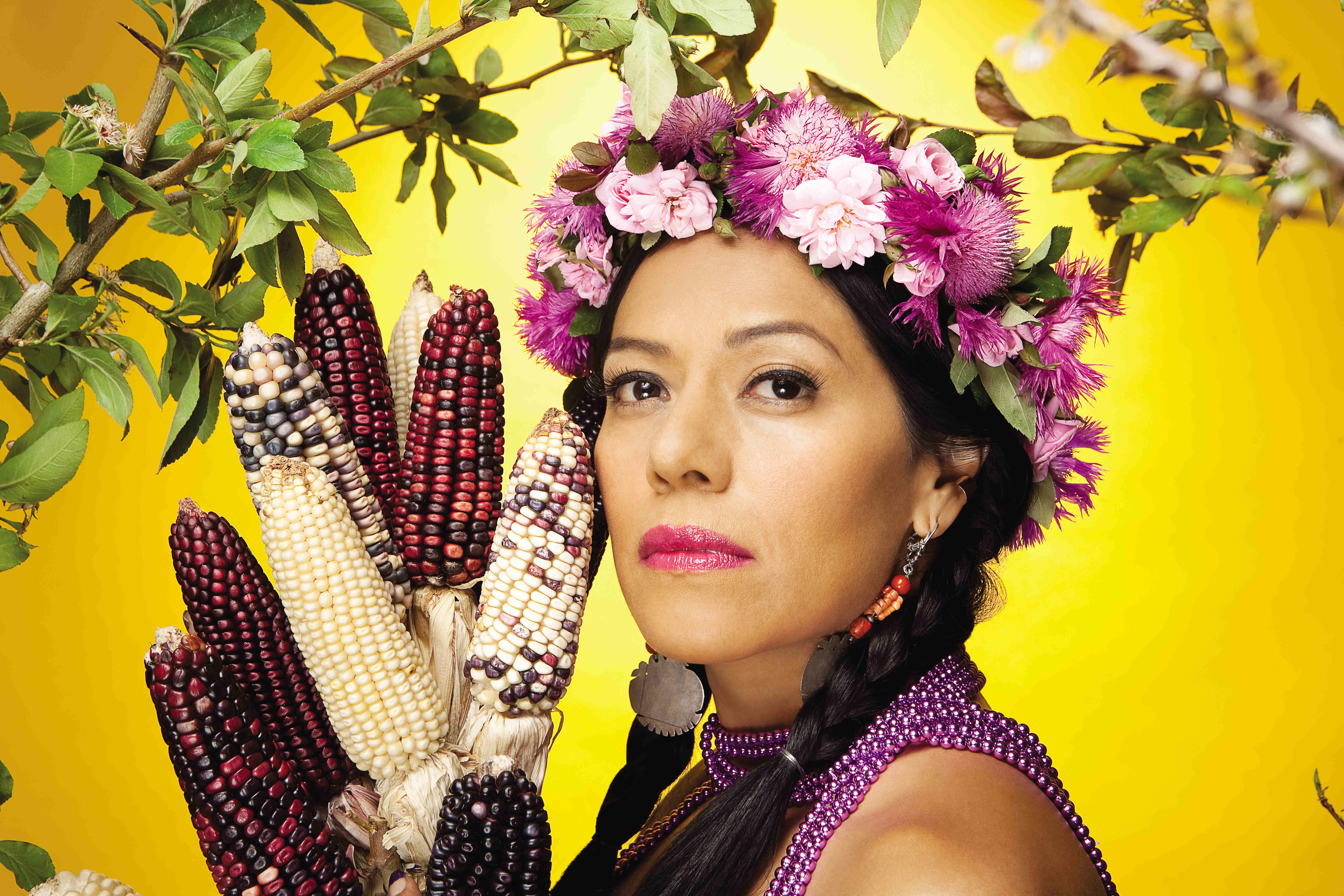 how tall is lila downs