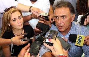 Miguel Ángel Yunes Linares en rueda de prensa