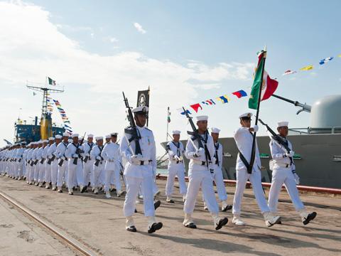 Hoy se celebra en m xico el d a de la marina plumas libres for Espectaculos del dia de hoy en mexico
