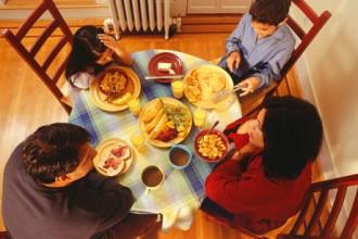 Desayunar todos los días antes de las 10 de la mañana acelera tu metabolismo