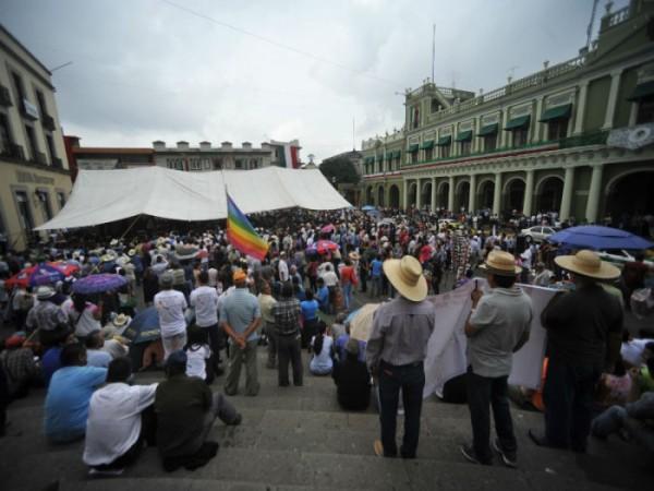 Miles se congregaron en la Plaza Regina y en mitin de AMLO recordaron al fotoreportero Rubén Espinosa