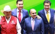 Manuel Cabazos el de chaleco rojo junto con el líder del PRI en Veracruz/Fotover