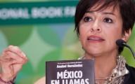 """Anabel Hernández periodista, le allanaron su casa otra vez. En la PGR le dijeron que le """"van a contar la verdad histórica sobre las investigaciones en su caso, en son de burla"""