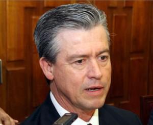 Gerardo Buganza no es independiente, sirve al estado, acusa diputada