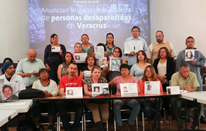 http://plumaslibres.com.mx/wp-content/uploads/2016/04/Brigada_Busqueda_Veracruz-1-940x600-690x440.jpg
