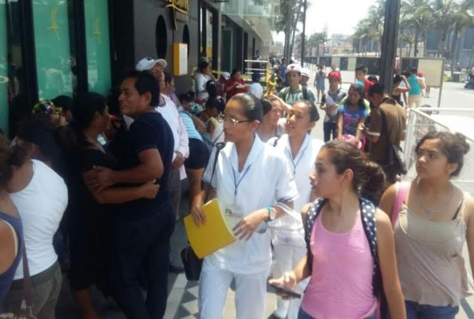 Cientos de acarreados de todo el estado, fueron llevados a Veracruz para evento del PRI/ Dany Jácome