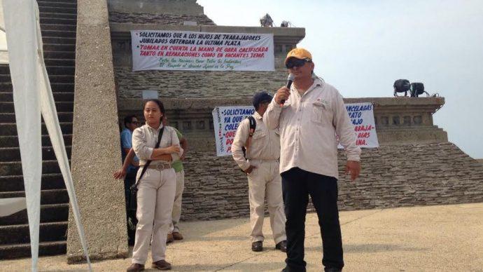 Obreros de Pemex ya en desempleados por la venta de las factorías en sur de Veracruz/ Plumas Libres
