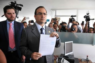 Este medio dia el gobernador Javier Duarte de Ochoa amplió la denuncia por enriquecimiento ilícito en contra de MAYL/Fotover