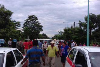 Los habitantes de Hueyapan temen inundaciones con la extracción de roca de basalto del río/ Plumas Libres