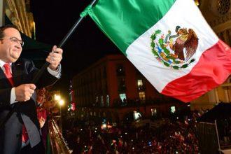Javier Duarte de Ochoa dará el grito esta noche