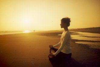 Meditar por lo menos 15 minutos al día, va mejorando tus estados mentales y emocionales ¡Inténtalo!