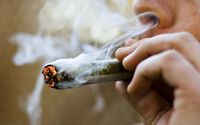 Resultado de imagen para fumar droga