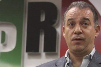 Raúl Cervantes Andrade, empezó a defender a Javier Duarte, desde antes que asumiera la titularidad de la PGR, ¿será por eso que no lo detienen?.