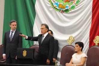 Miguel Ángel Yunes Linares, nos quedamos esperando la cimbrada.
