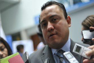 Jesús Mancha trató a reporteros como acarreados de campaña a los que les dan monedero electrónico para surtir su despensa en Soriana o Chedraui