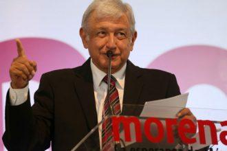 Andrés Manuel López Obrador líder de MORENA y eterno aspirante presidencial
