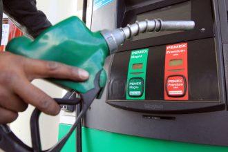 El gobierno de Enrique Peña Nieto le sigue cargando al pueblo su mal manejo, lo demuestra el incremento en los precios de la gasolina para enero