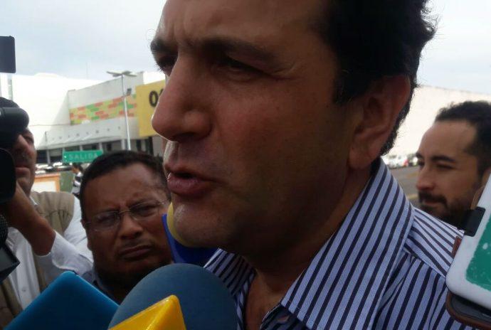 Salvador Manzur Díaz/Plumas Libres
