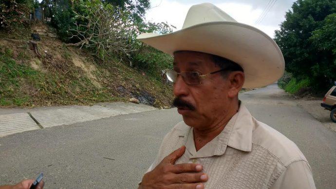 El alcalde del municipio de Jesús Carranza manifestó que la población se autodecretó el toque de queda, ante el temor de ser atacados/ Plumas Libres