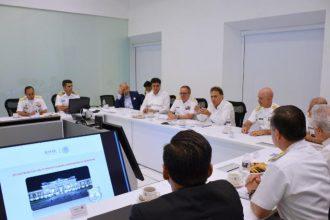 El gobernador Miguel Yunes presidió la primera reunión de trabajo con las altas autoridades de la armada de México para definir nuevas estrategias sobre seguridad
