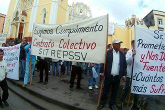 Los ex empleados tomaron la plaza Lerdo/Plumas Libres