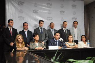 El grupo legislativo del PAN durante la conferencia de prensa/Fotover