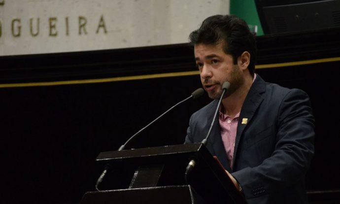 Marco Antonip del Ángel, extraña las canongías que le daba el PRI