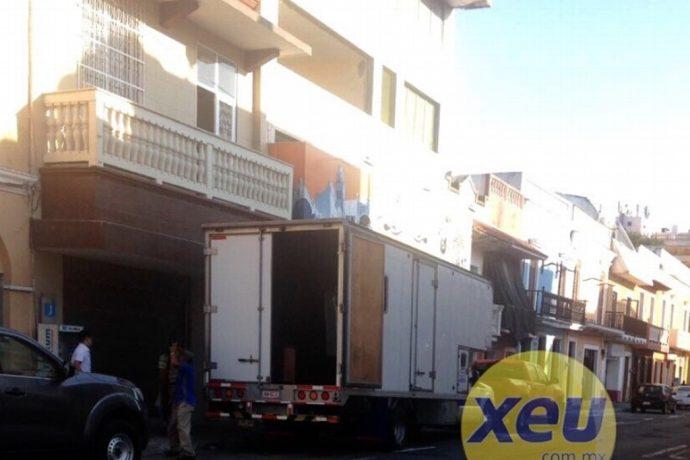 Desde algún lugar, Javier Duarte se da el lujo de rescatar los bienes de sus casas/ Foto cortesía de XEU de Veracruz
