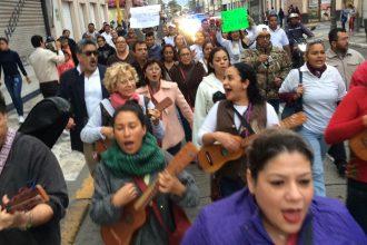 Cientos marcharon en Veracruz en protesta por el gasolinazo, pacificamente