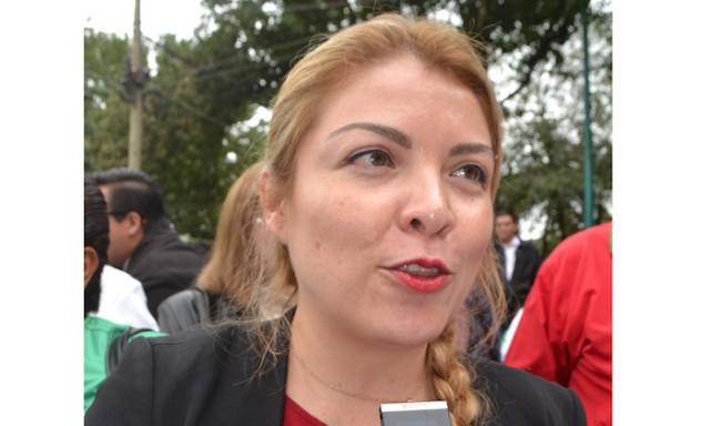 Regina Vázquez se quedó al frente del PRI estatal