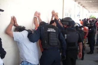 Se llevan a los detenidos del último operativo al penal de Poza Rica