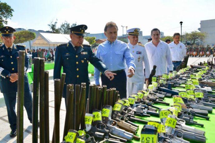 El gobernador agradeció al Ejército Mexicano por la ardua labor que realiza en beneficio de los veracruzanos, especialmente en tareas de seguridad pública
