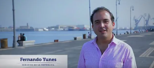 Fernando Yunes en el video publicado en su cuenta de twitter