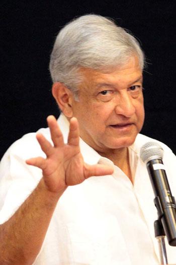 AMLO no quiso debatir y tampoco negó que los líderes de Morena en el sur recibieran 2.5 millones de pesos en zona sur del estado