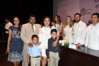 199 parejas se unieron hoy en matrimonio en el Teatro Fernando Gutiérrez Barrios