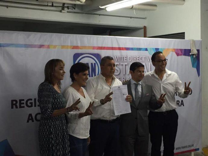 Ricardo García Gumzán entregó documentos e información contra Javier Duarte y el PRI, a cambio el PAN-PRD, lo quiere hacer alcalde de Pánuco. ¡Pobre Veracruz!