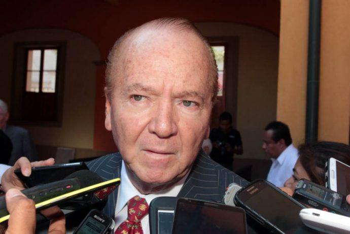 Francisco Ávila Camberos el considerado mejor alcalde en la historia de Veracruz, fue invitado por el PRI para ser su candidato a la alcaldia, pero Paco Gutiérrez declina y le pide a Fernando Yunes Márquez no contribuir a un Califato en Veracruz