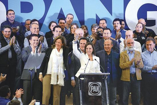 Al registro de Josefina Vázquez Mota llegaron los cuates de EPN Fecal y Diego Fernández de Ceballos...