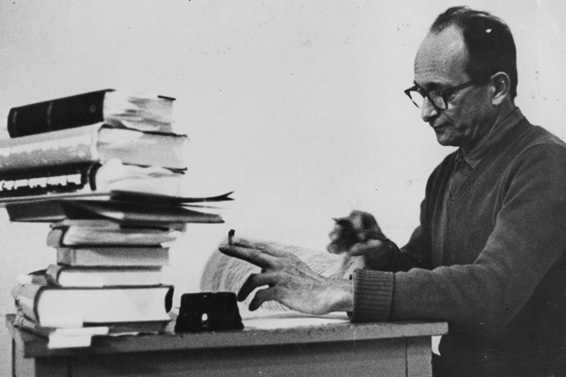 Nace el alemán Adolf Eichmann, autor del plan para exterminar a seis millones de judíos.
