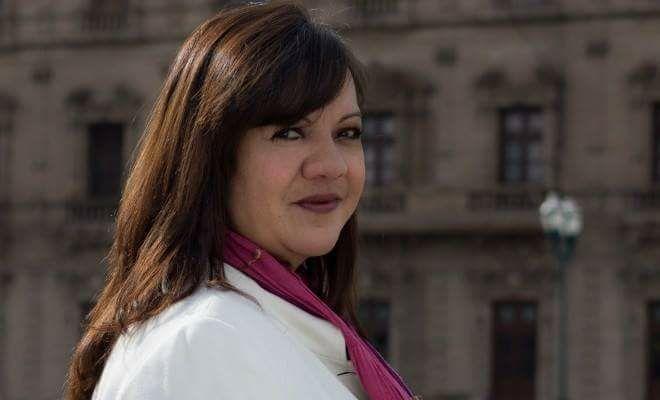 Periodista mexicana abandona su país por amenazas de muerte