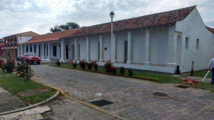 Yunes expropia casa de Duarte en Tlacotalpan