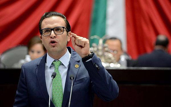 Tarín no tomará protesta como diputado, reitera César Camacho